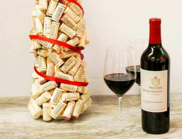 Новорічний декор з винних корків - 17 ідей