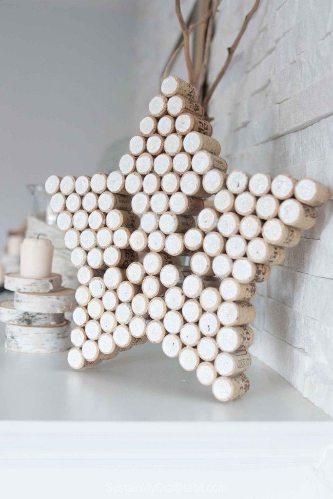 Різдвяна зірка з винних корків