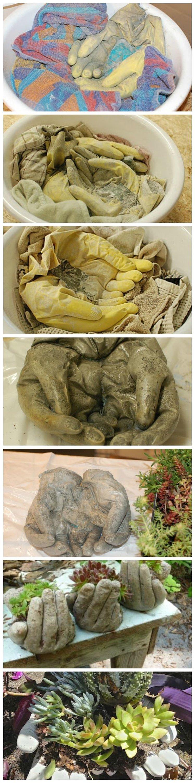 Міні-клумбу (або підставку під квіти) можна зробити за допомогою звичайної медичної рукавички.