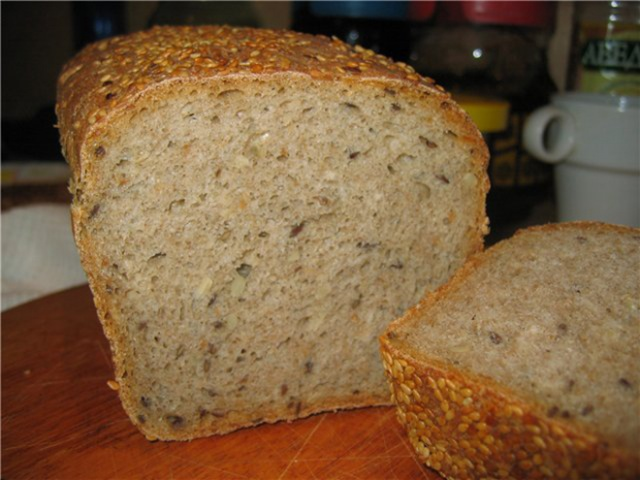 підживлення огірків хлібом зображення