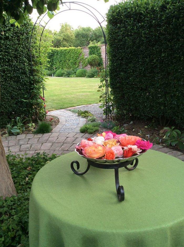 місце для відпочинку в саду