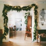 Новорічний декор дверей