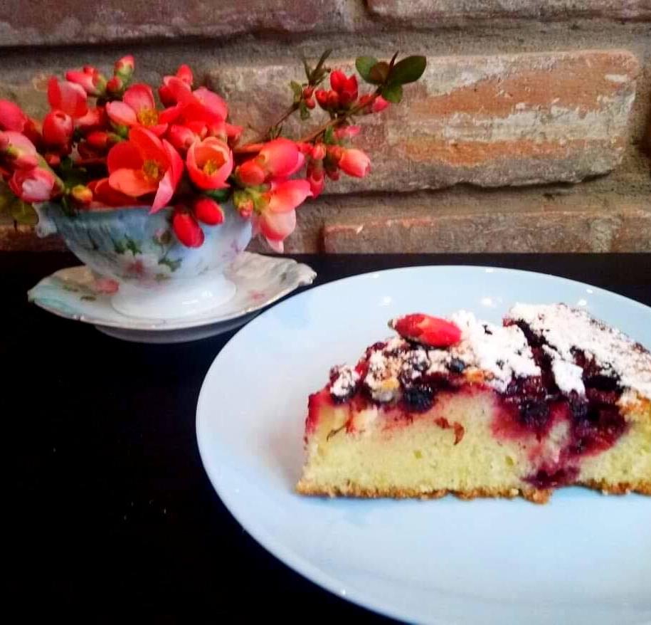 Віденський пиріг з вишнею готовий