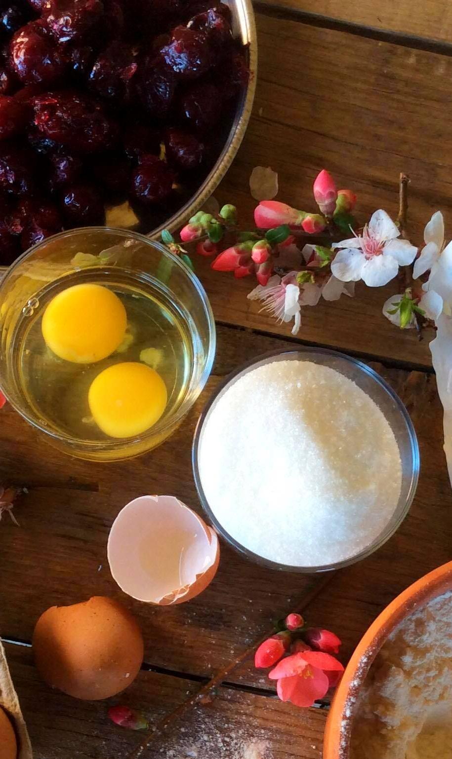 Інгредієнти для віденського пирога з вишнею