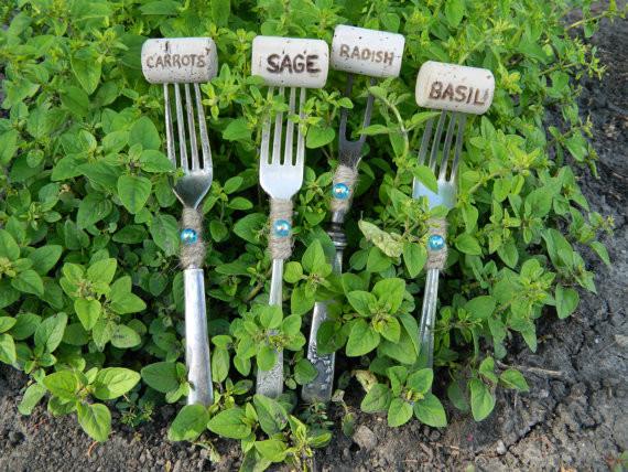 Маркери для рослин з винних корків на виделках