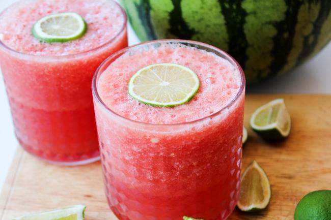 Заморожений кавун - ідеальний інгредієнт для освіжаючих коктейлів та смузі