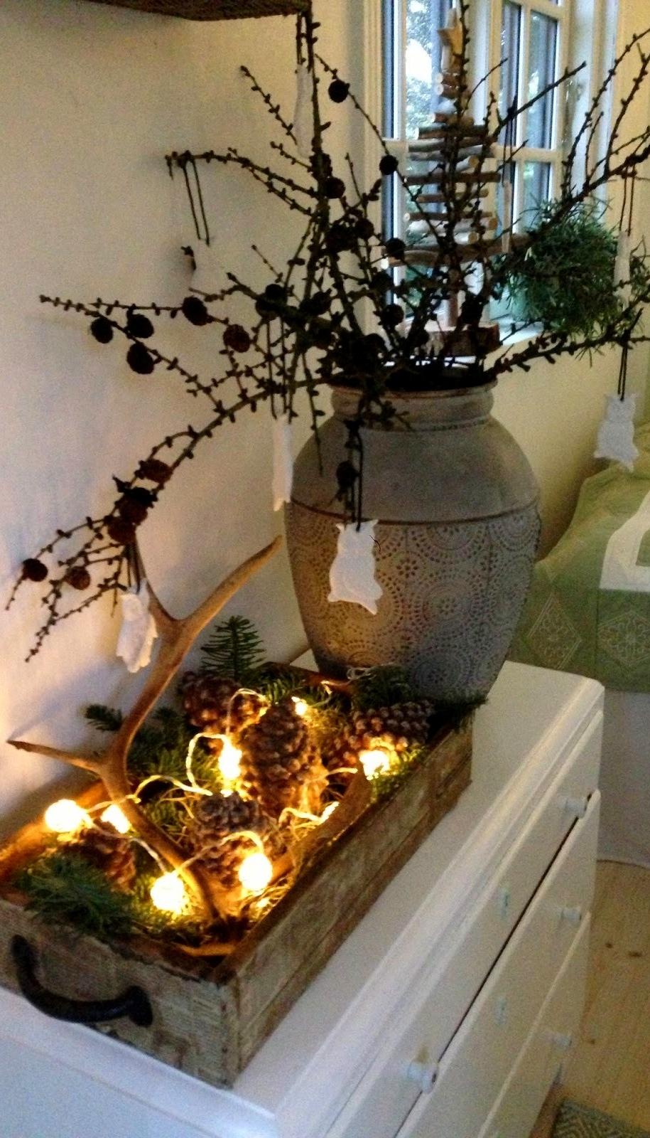 Дерев'яна таця з новорічним декором