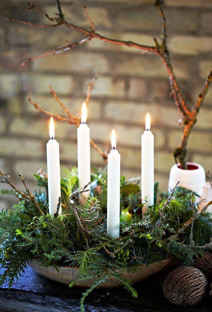 Хвойна композиція зі свічками