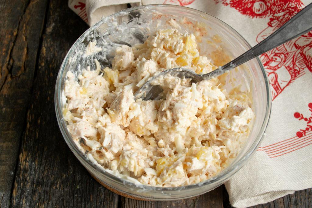 salat-z-kurkoyu-ta-ananasom-04-1024x683-6690245