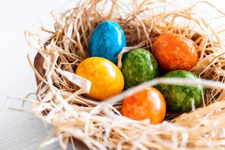 Фарбуємо яйця до Великодня — 15 ідей з описом та фото