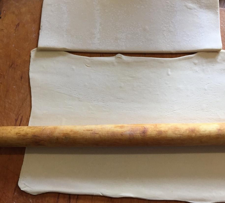 Розкатувати магазинне листкове тісто можна і навіть треба