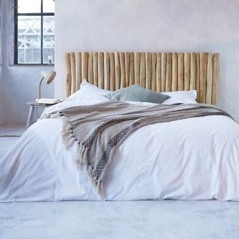 Узголів'я ліжка з дерева