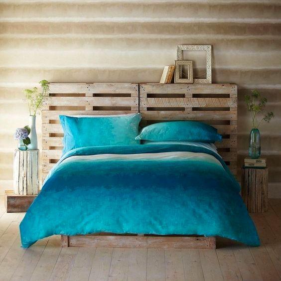 Узголів'я ліжка з палет