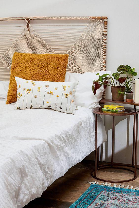Плетене узголів'я ліжка