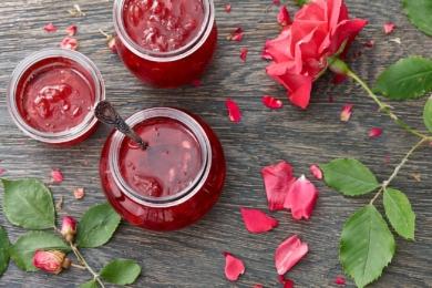 5 рецептів трояндового варення від досвідчених садівників