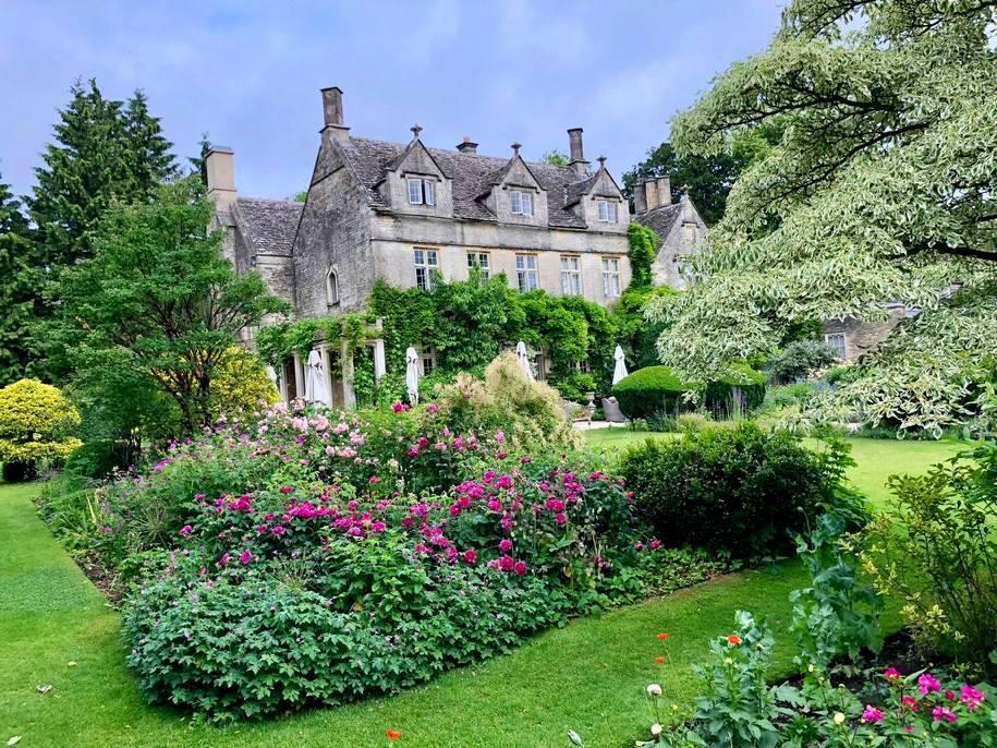 Барнслі Хаус — вишуканий готель і класичний приклад англійського саду