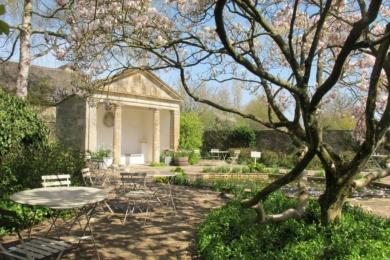 Літній будиночок в Храмовому саду Барнслі Хаус