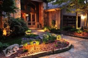 Освітлення саду та подвір'я — 24 ідеї з фото
