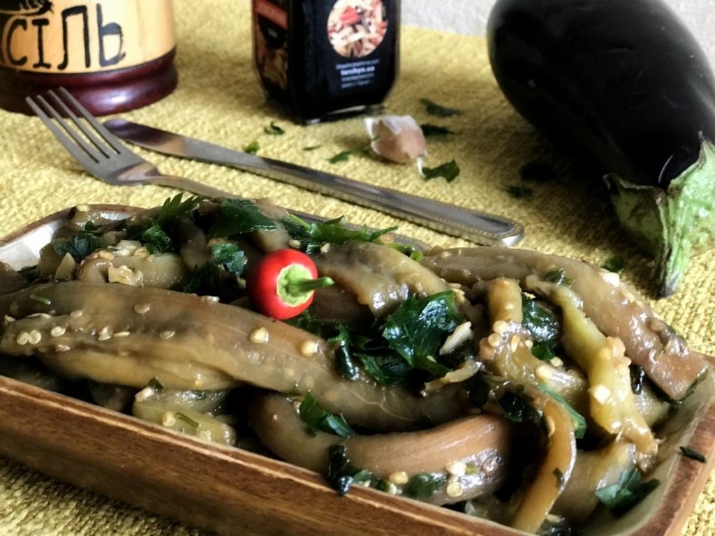 Смажені баклажани нашвидкуруч з часником і соєвим соусом