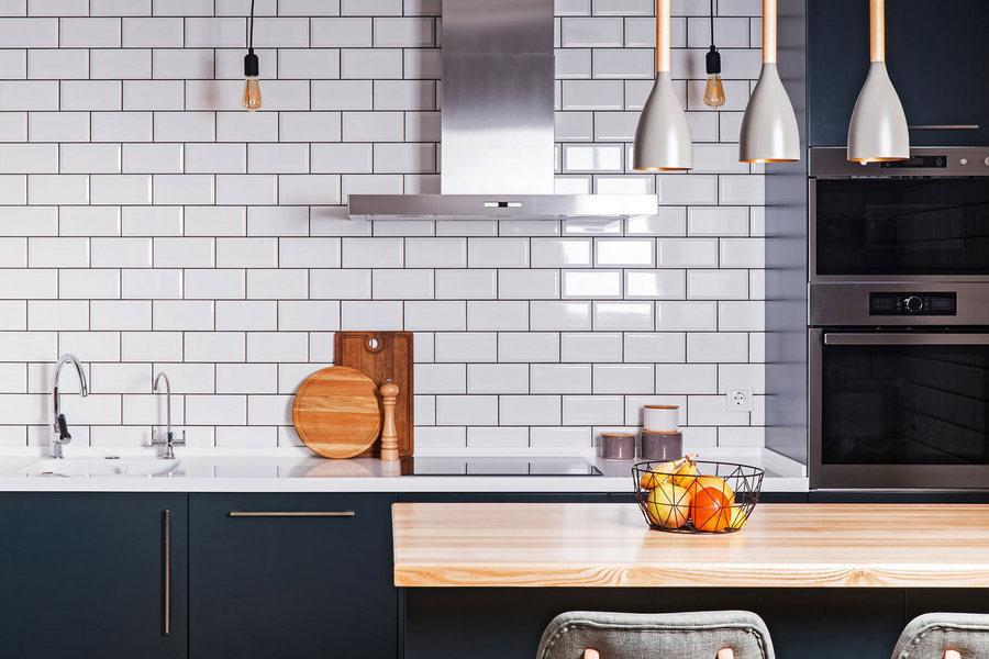 Біла плитка в інтер'єрі — 30 ідей з фото