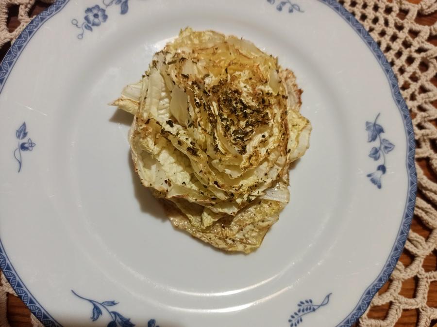 Запечена пекінська капуста готова