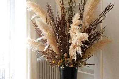 Букети без живих зрізаних квітів в інтер'єрі