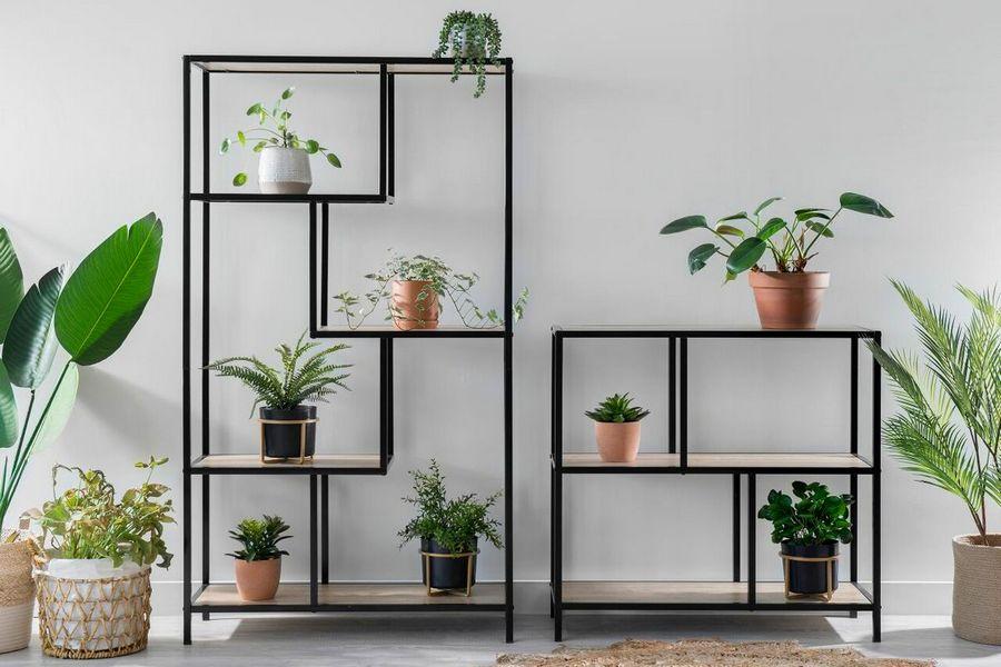 Багатоярусні стенди для кімнатних рослин, або Вертикальний сад вдома