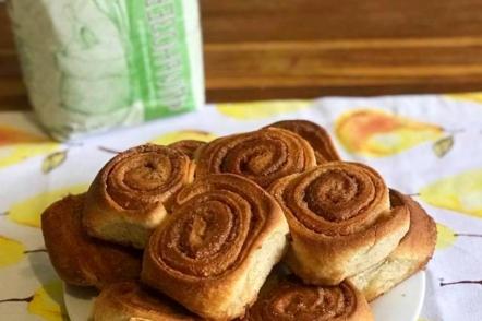 Найсмачніші булочки з корицею — рецепт з цільнозерновим борошном