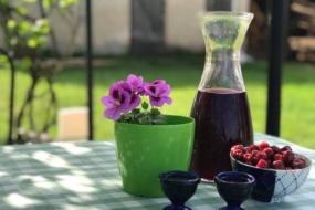 Вишнева наливка — швидкий рецепт приготування